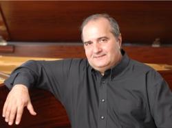 Jorge Luis Prats con la Orquesta de Córdoba. Director: Carlos Domínguez-Nieto