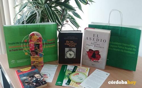 Imatge de la notícia El club de lectura del Centro de Artes Escénicas analiza en Córdoba 'La puñalá' con su autor, Antonio Onetti